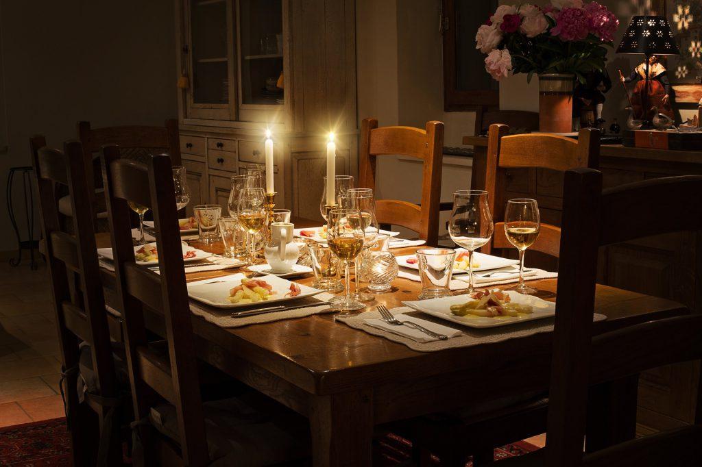 stół z opuszczanym blatem